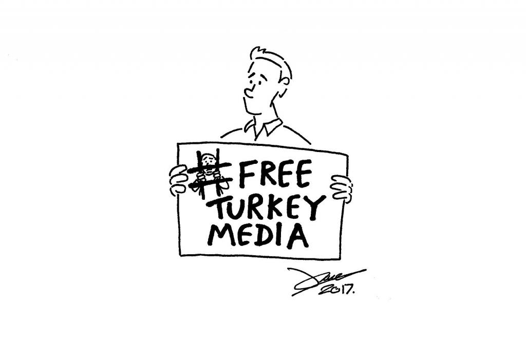 James Mellor's selfie in response to Amnesty International's #FreeTurkeyMedia campaign